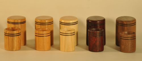 Silk pin holder with lid- wood